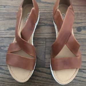 Gabor cross strap sandal nearly new Fits like 7.5